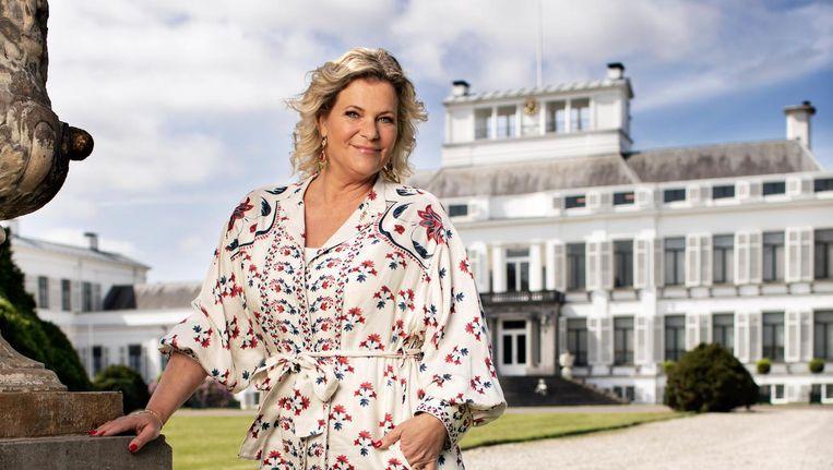 Justine Marcella voor Paleis Soestdijk Beeld Harmen de Jong