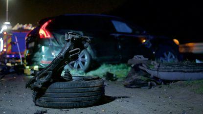 VIDEO. Auto door de middenberm op ring rond Gent: drie personen zwaargewond