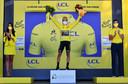 De Sloveen Primoz Roglic staat op het punt de Tour de France te winnen.