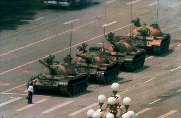 'Tankman' ging 30 jaar geleden uit protest manhaftig voor een colonne tanks staan.