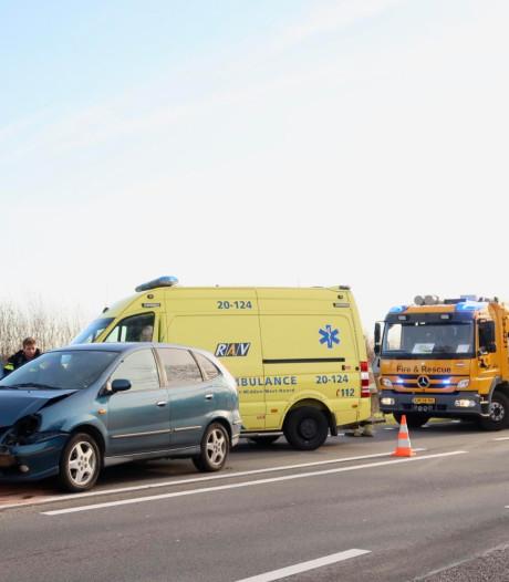 Twee gewonden bij kettingbotsing in Hulten