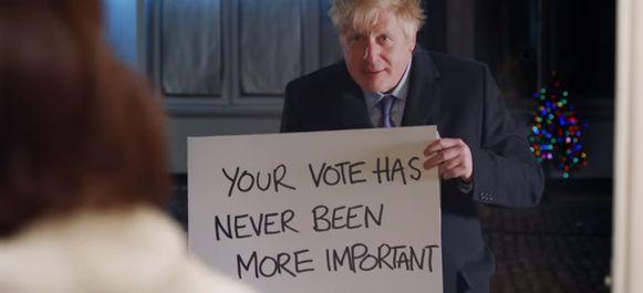 Premier Johnson gooit romantiek in de strijd.