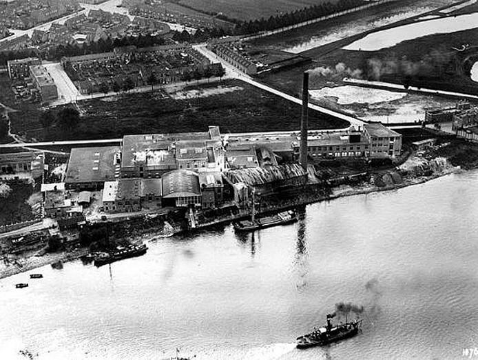 De Hollandiafabriek, pal voor het uitbreken van de Tweede Wereldoorlog