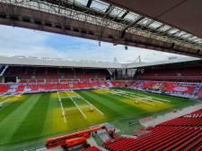 PSV Fans United fleurt lege tribunes in Philips Stadion een beetje op met doeken