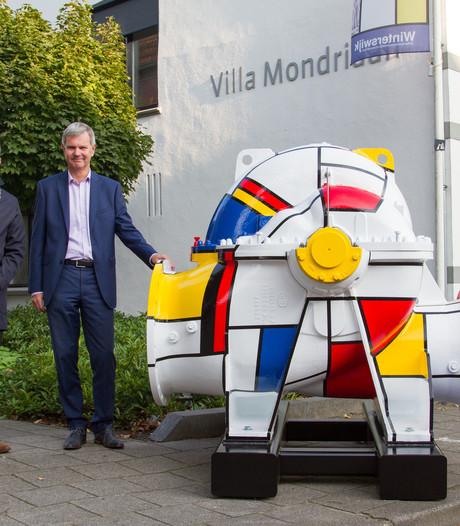 Winterswijkse waterpomp in Mondriaan-stijl op internationale vakbeurs