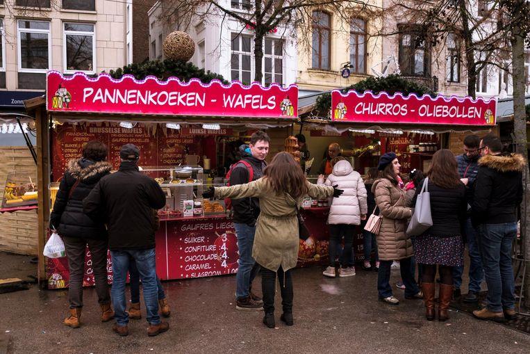 Ook op de laatste dag van de kerstmarkt was het gezellig druk.