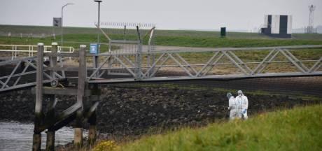 Vissers ontdekten dode man bij de Oesterdam: 'Die moet hier gedumpt zijn door criminelen'