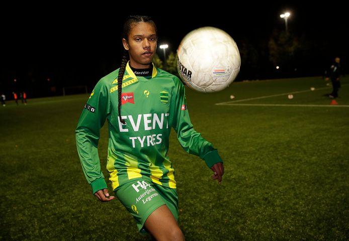 Talent Esmee Brugts van FC Binnenmaas kiest voor PSV.