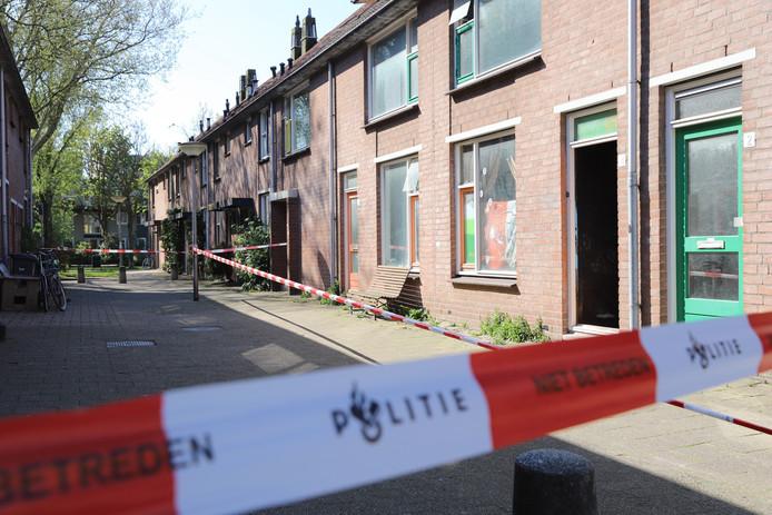 Straat afgesloten door mogelijke kogel inslag in Delft