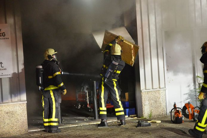 Brand in bedrijfspand in Breda