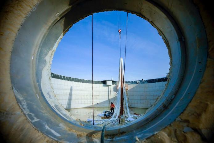 Een van de zes silo's waarin volgend jaar het groene gas wordt geproduceerd.