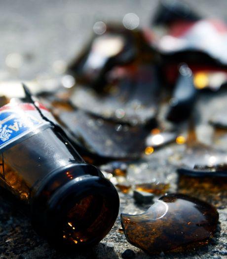 Verplichte opname voor man uit Vaassen die bierflesjes gooide en politie te lijf ging met ijzeren staaf