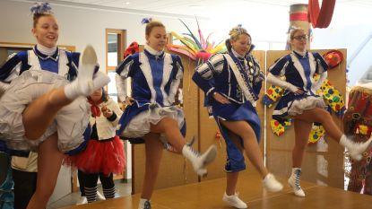 CARNAVAL HALLE: Prinses Cindy danst mee met 'haar' Dansmariekes in Zonnig Huis