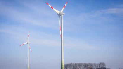 Komen er 15 windmolens langs snelweg in Gistel, Oudenburg en Jabbeke?