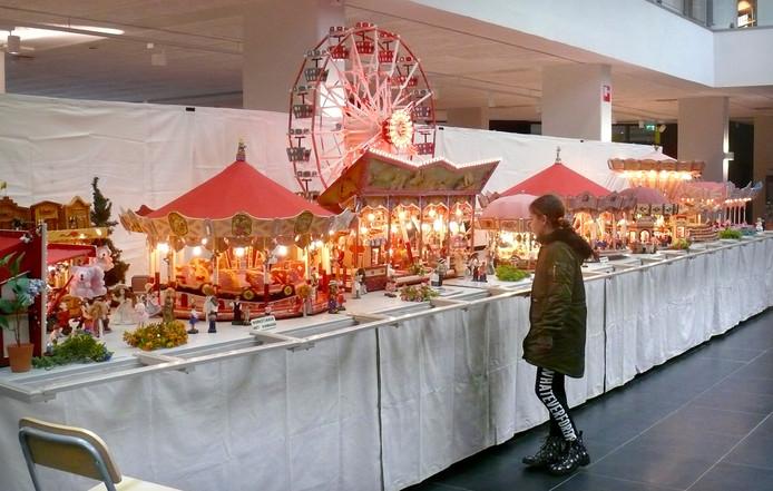 Tot donderdag staat miniatuur kermis in Parrotia Roosendaal