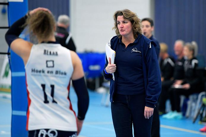 Vera Koenen langer trainer van Sliedrecht Sport.