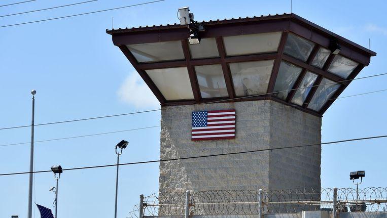 Een wachttoren op het terrein van de Guantánamo Bay-gevangenis. Beeld null
