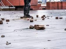 Bouwbedrijf uit Prinsenbeek zoekt relschoppers en gaat viral: 'Je mag zo veel stenen gooien als je wil'