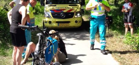 Fietsster gewond door val op fietspad in Groesbeek