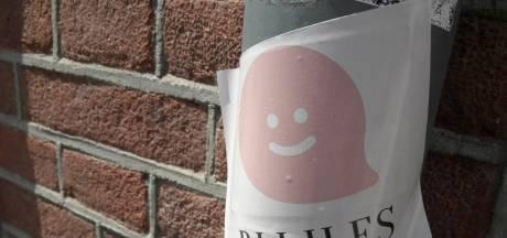 Stickers in Tilburg. Blij bij de les blijven, daar is Paulien Soeterbeek op uit