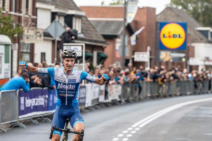 Marco Doets van de Alecto ploeg won in 2019 in Terborg de derde en laatste editie van de Ronde van de Achterhoek.
