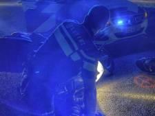 Vluchtende motorrijder komt tijdens achtervolging door politie ten val in Doetinchem: aangehouden