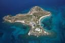 L'île de Little St. James appartenait au milliardaire Jeffrey Epstein, retrouvé mort dans sa cellule samedi après avoir été inculpé de multiples agressions sur mineures.