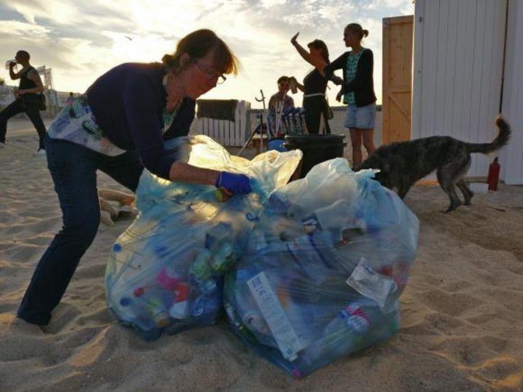 De vrijwilligers verzamelden in het verleden al bergen afval, zoals pmd.