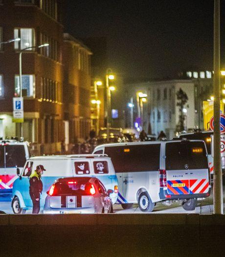 Ook bewoners 'vesting Duindorp' zijn rellen zat: 'Kap ermee, stelletje hersenlozen!'