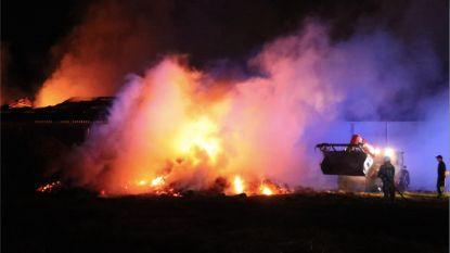 24 uur blussen aan zware loodsbrand