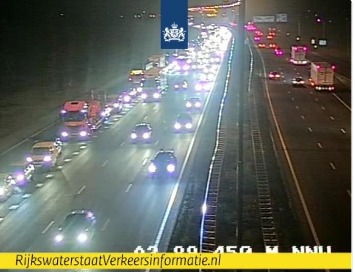 De A15 bij Meteren op camerabeeld van Rijkswaterstaat.