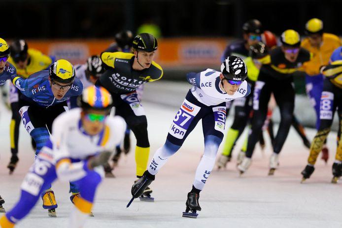 Marc Middelkoop (met nr. 37) op archiefbeeld is niet topfit voor de laatste natuurijsmarathons van het seizoen in Zweden.