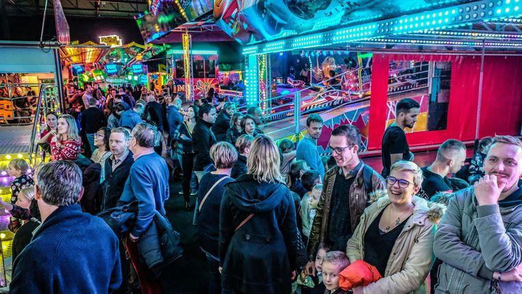 De Indoor Winterkermis in Waregem Expo wist meteen heel wat bezoekers te lokken.