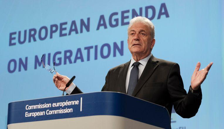 """Archieffoto. """"Ik begrijp de afwijzing van het VN-migratiepact niet, omdat het document niet juridisch bindend is en niemand iets opgedrongen wordt"""", zegt Eurocommissaris voor Migratie, Binnenlandse Zaken en Burgerschap Dimitris Avramopoulos."""