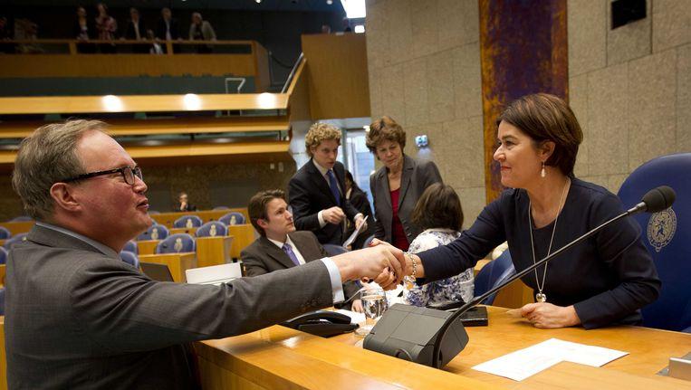 Kamervoorzitter Minouschka van Miltenburg (rechts) Beeld ANP