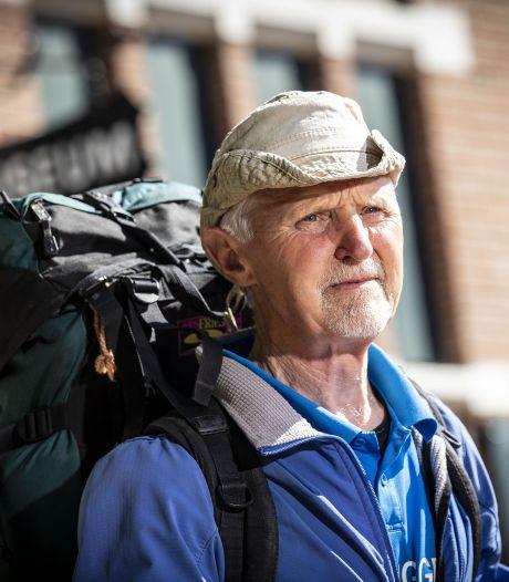 Jan (71) loopt van Vriezenveen naar Rusland maar weet niet of hij het land in mag: 'Zien we dan wel weer'