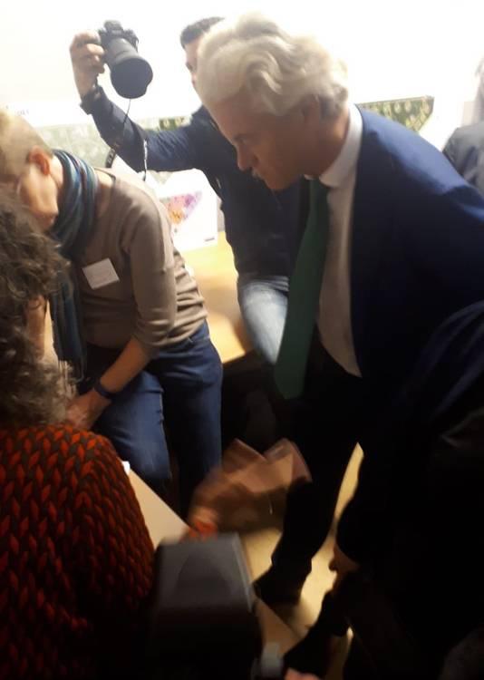 Wilders laat zich informeren over de verbouwingsplannen in Gilze en Rijen
