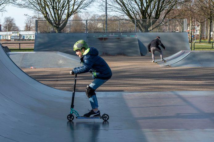 Anders dan vorige week, was het vanmiddag rustig op de skatebaan aan de Hoofdweg in Harderwijk.