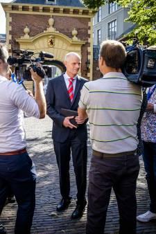 Minister Blok betreurt 'te scherpe bewoordingen'