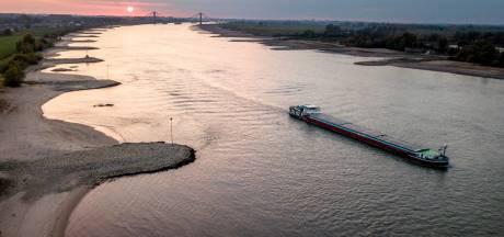 Benzeen lozen op de Rijn en Waal: Zó groot is het probleem en dit doen de overheden eraan