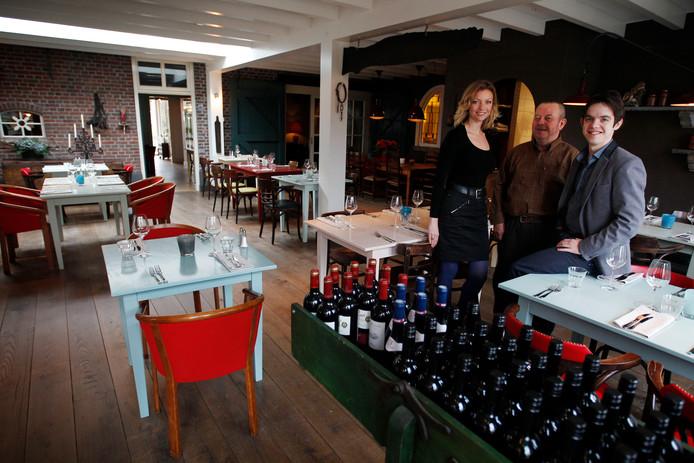 Frouke, Wim en Daan van Tilborg in 2013 in restaurant Liverdonk.