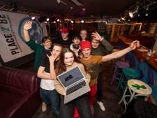 Romy (16) uit Nijverdal in de bres voor jongerencentrum: 'Omdat het hier fijn is'