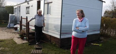 Herfstvakantie valt in het water voor caravanhouders in Nieuwvliet: 'Schweinerei, Roompot jaagt de mensen weg'