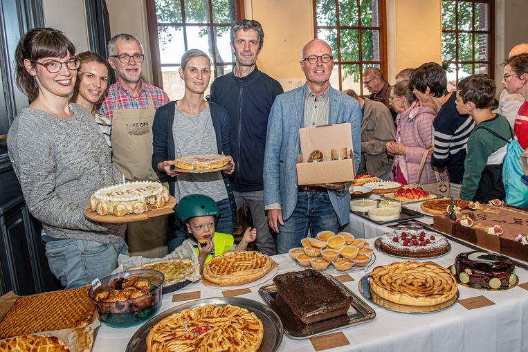 Tussen de vele taarten werden uiteindelijk de beste drie uitgekozen door de jury.