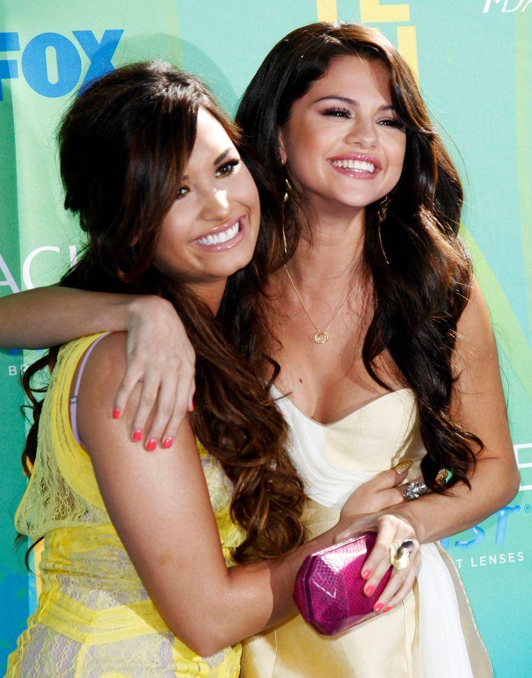 """Demi Lovato en Selena Gomez waren lange tijd de beste vriendinnen. """"Ik ken haar al van toen ik 7 jaar was"""", aldus Selena."""