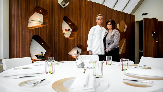 Chef-kok Jannis en Claudia Brevet van restaurant Inter Scaldes. Het etablissement is wederom verkozen tot het beste restaurant van Nederland, door de restaurantgids Lekker. Inter Scaldes heeft twee Michelinsterren