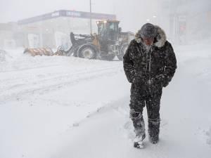 L'armée appelée en renfort au Canada où un violent blizzard bat tous les records
