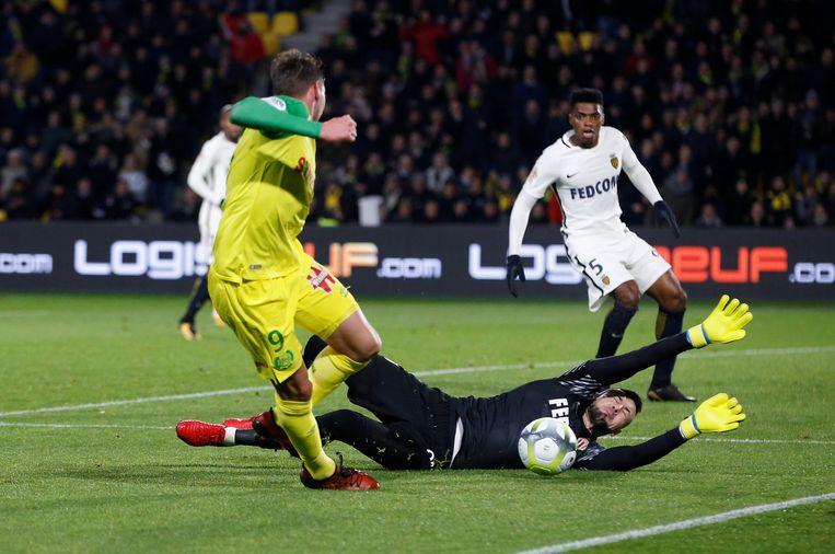 Subasic brengt redding in de wedstrijd tegen Nantes.