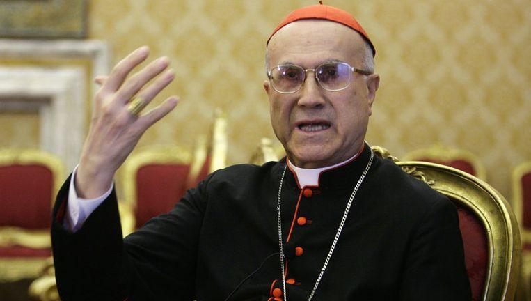 Kardinaal Tarcisio Bertone weet pedofilie binnen de kerk aan homofilie.