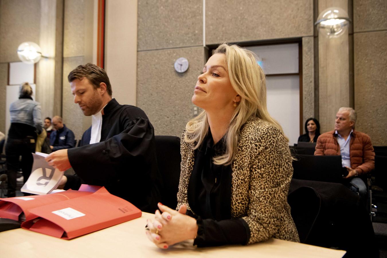 Bridget Maasland met haar advocaat Royce de Vries in de rechtbank.